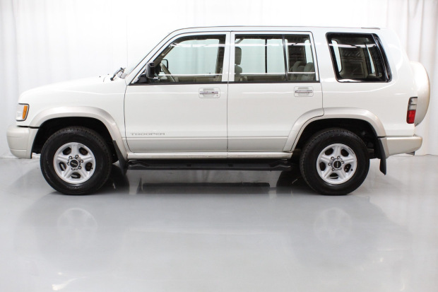 No Reserve: 2000 Isuzu Trooper