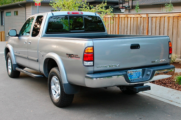 Original-Owner 25k-Mile 2003 Toyota Tundra SR5 4×4
