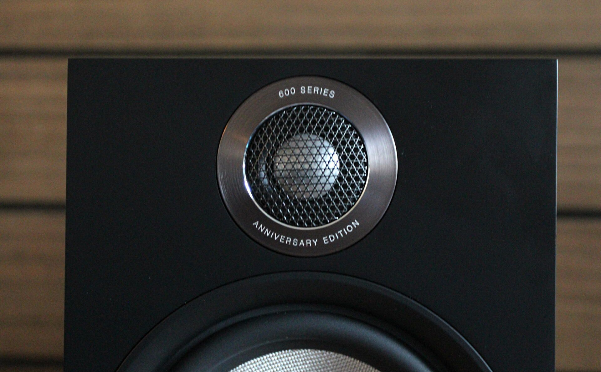 bowers-and-wilkins-606-s2-3