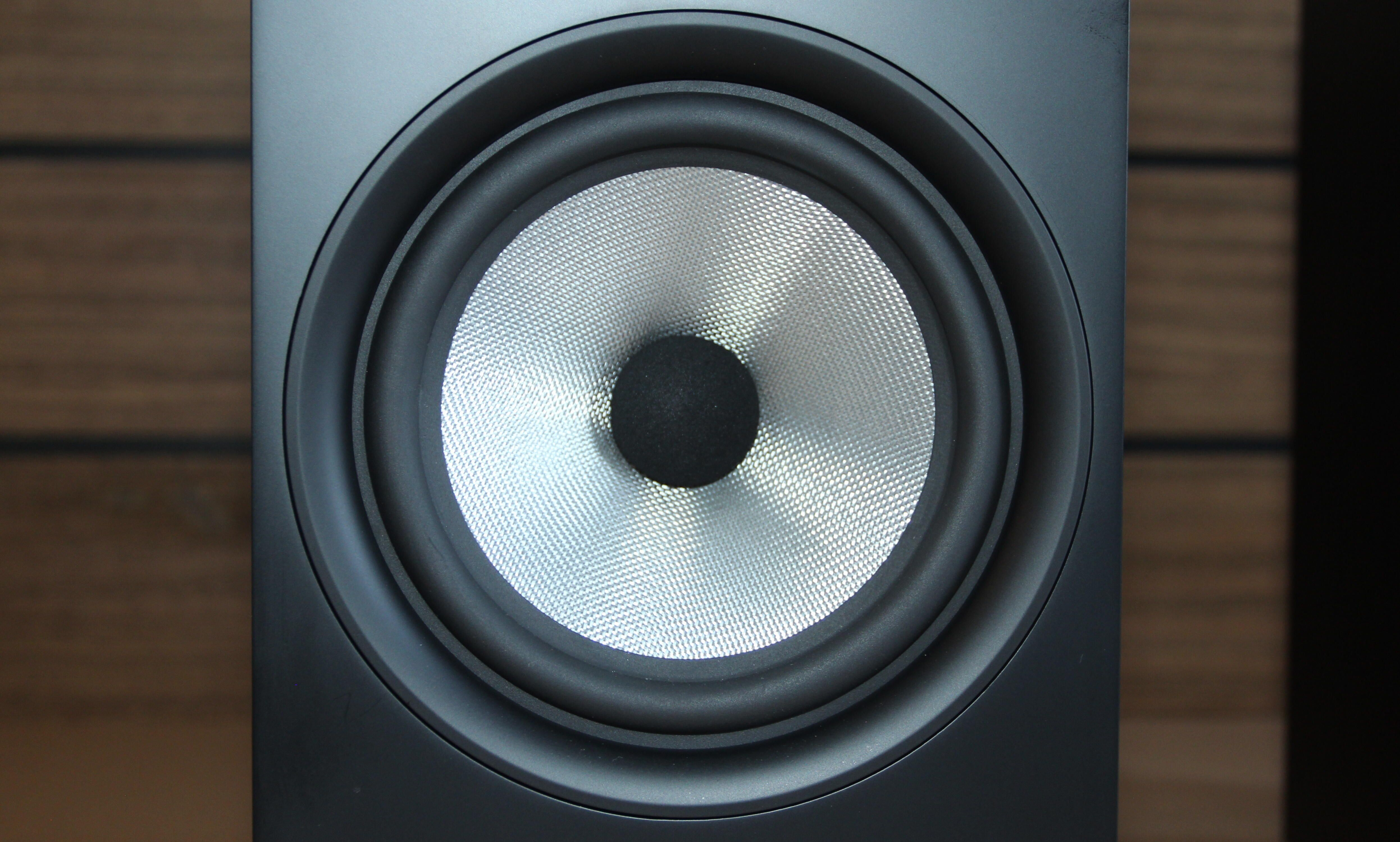 bowers-and-wilkins-606-s2-2